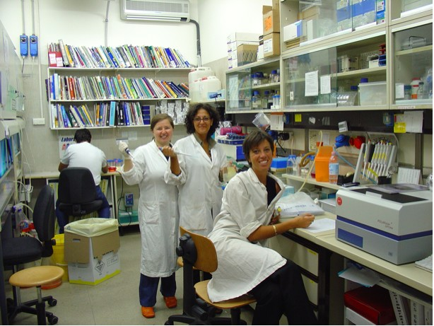 Fig AQ-2: Lab members Evangelia Papadimou, Erika Reitano, and Alessia Tarditi, left to right.